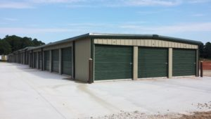 picture of a self storage building