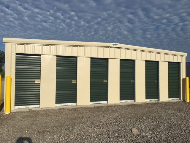Self-Storage 3 x 7 doors